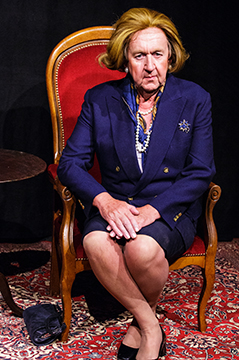 Pip Utton as Maggie Thatcher photo Andy-Doornhein
